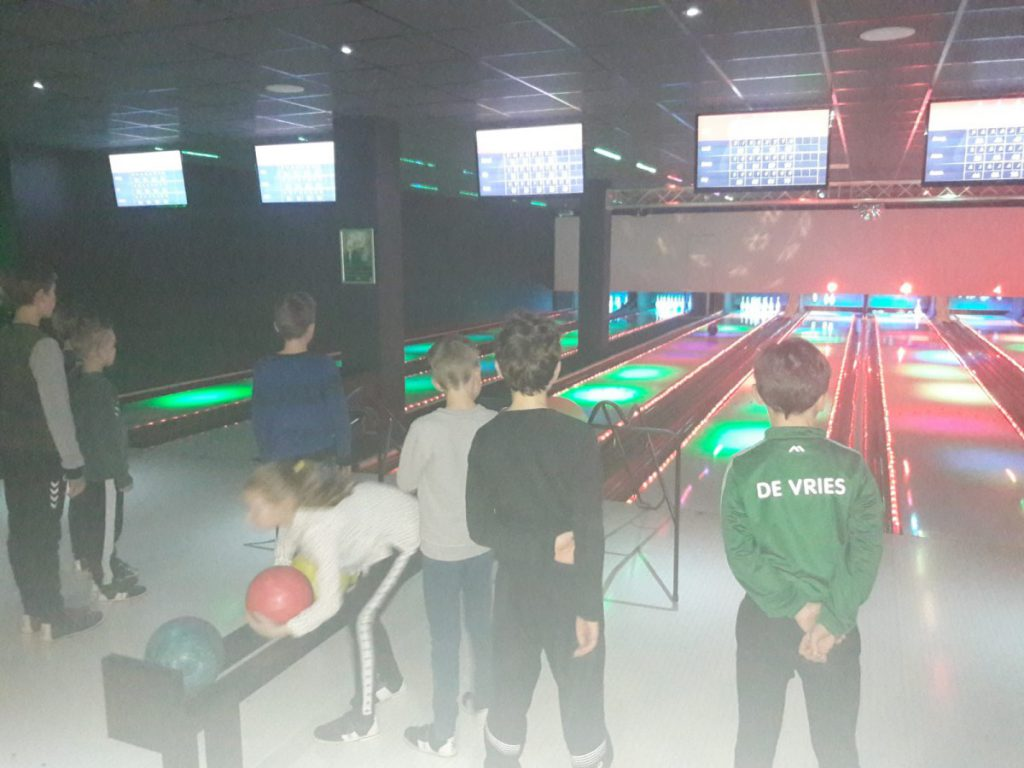Geslaagde bowlingactiviteit voor JO-10 en JO-11